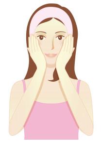 Demaquillage masser visage avec huile